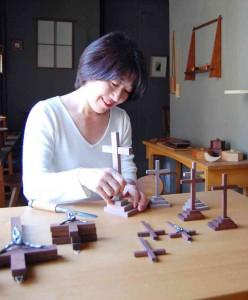 【店長日記】やさしい木のぬくもりをそのままに・・オリジナル十字架