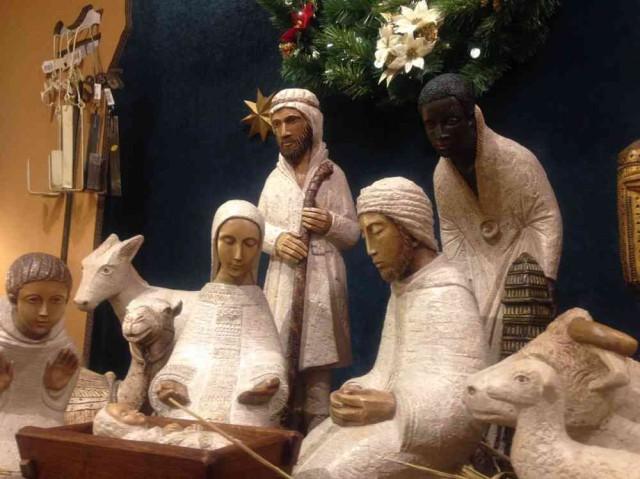 【店長日記】フランスの修道会手作りの降誕セット「クレッシュ」♪